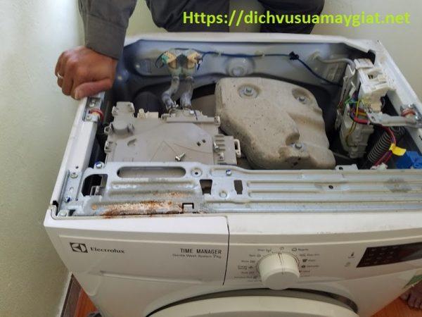 Sửa máy giặt tại Nguyễn Văn Cừ phục vụ 24/24h chỉ sau 30 phút gọi.