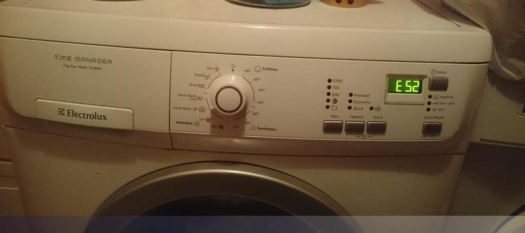 Máy giặt Electrolux báo lỗi E52 nguyên nhân chính do đâu ? Xử lý thế nào ?